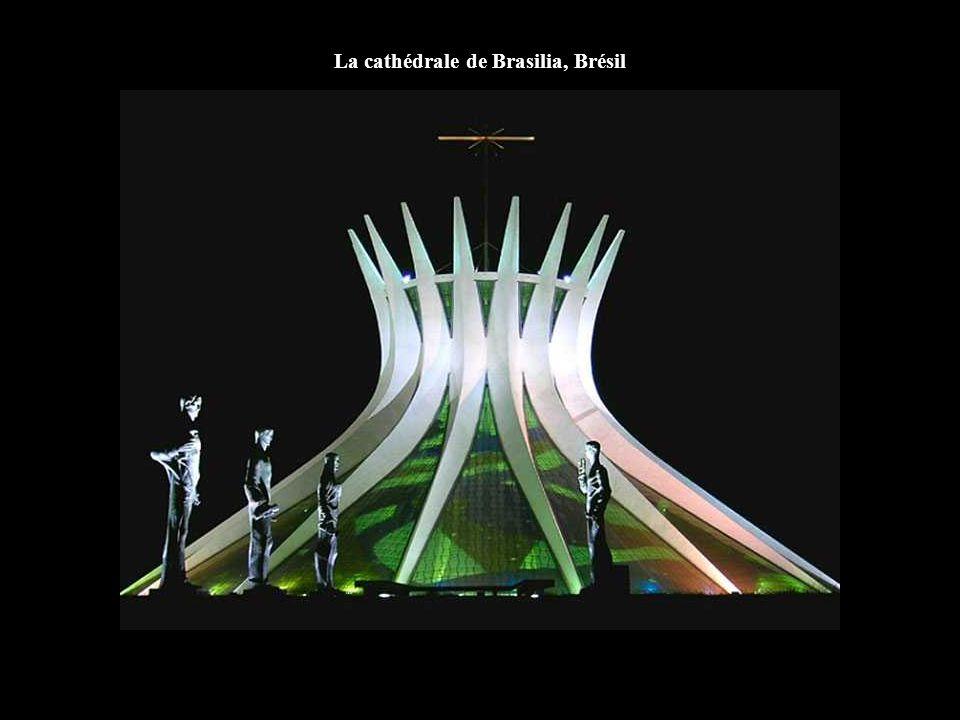 La cathédrale de Brasilia, Brésil