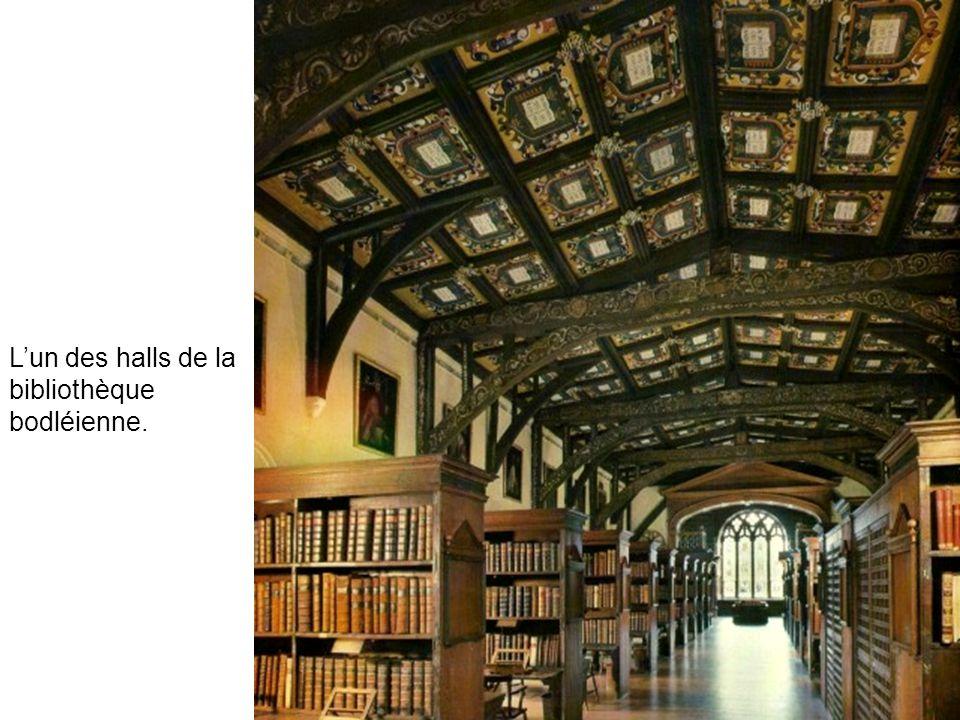 L'un des halls de la bibliothèque bodléienne.