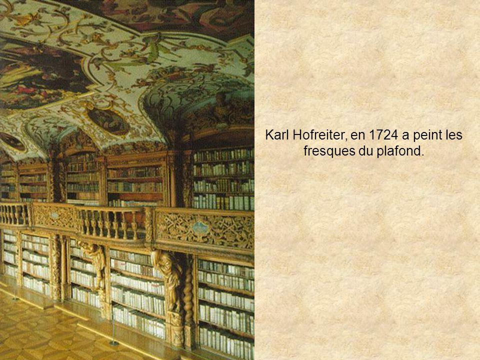 Karl Hofreiter, en 1724 a peint les fresques du plafond.