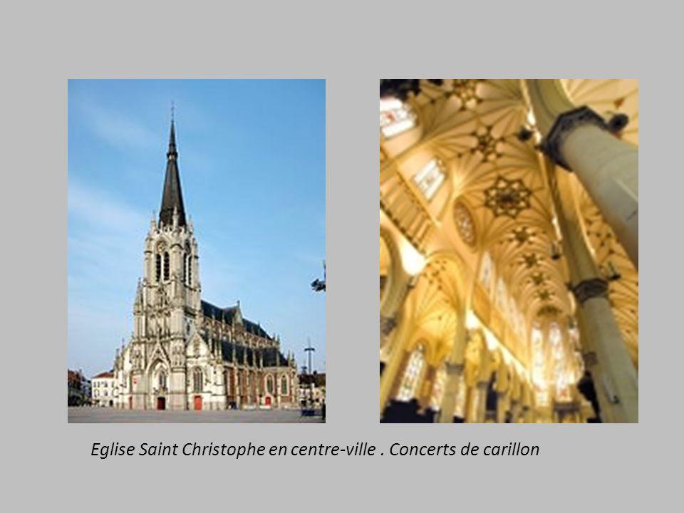 Eglise Saint Christophe en centre-ville. Concerts de carillon