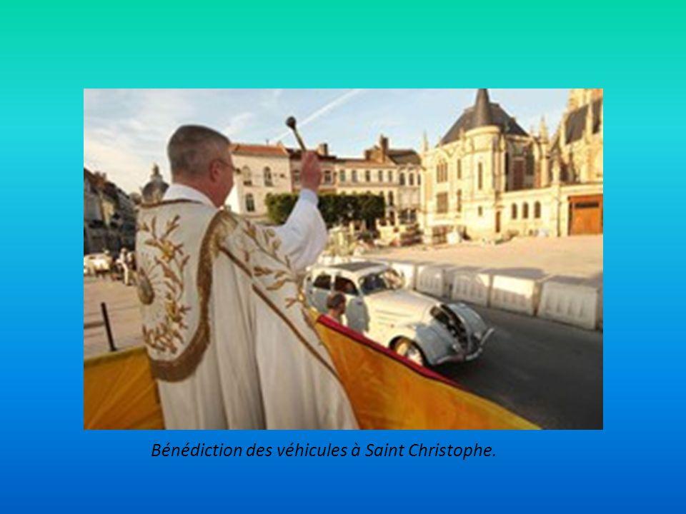 Bénédiction des véhicules à Saint Christophe.