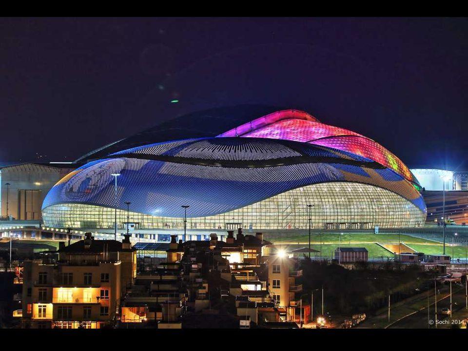 Grand Palais de glace, Sochi 2014 Le nom reflète la taille et de l'importance de l'immeuble. Il pourra accueillir 12 000 spectateurs. Il aura lieu ici