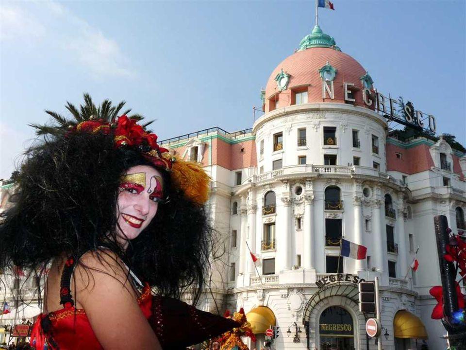 Plus importante manifestation de la Côte d'Azur en hiver, pour sa 125e édition, le Carnaval de Nice 2009 Le thème de l'année évoque l'art de dissimule