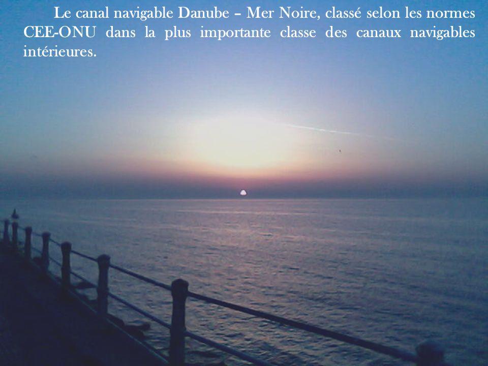 Le canal navigable Danube – Mer Noire, classé selon les normes CEE-ONU dans la plus importante classe des canaux navigables intérieures.