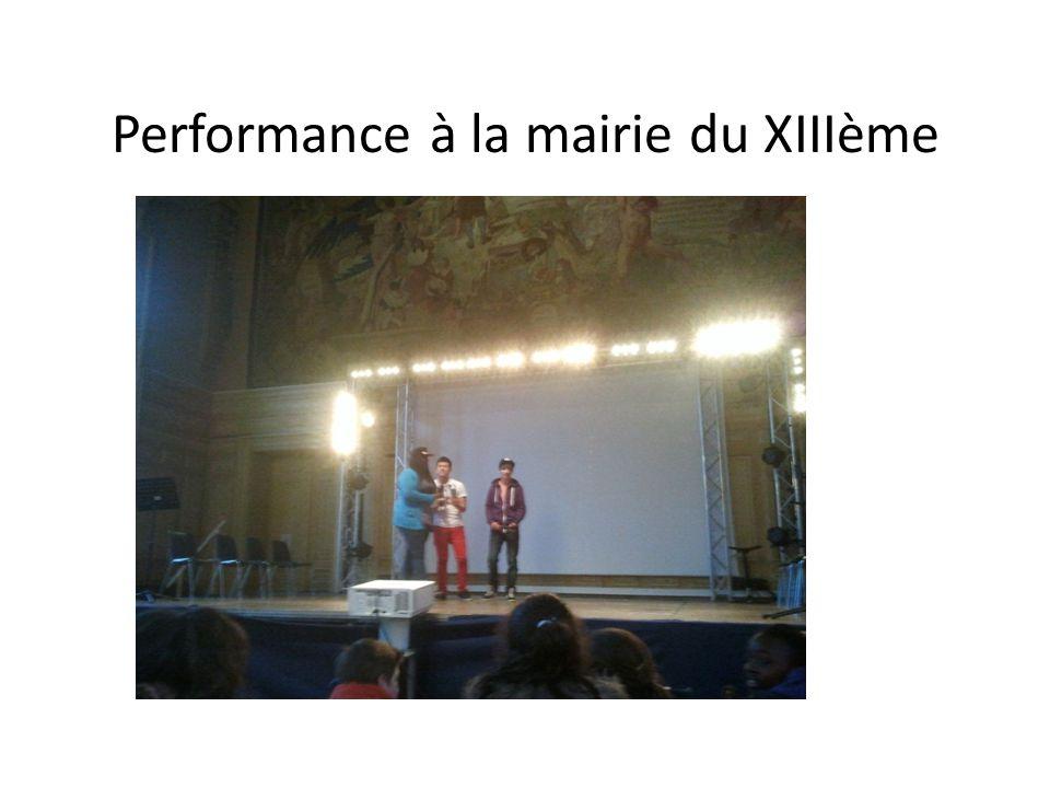 Performance à la mairie du XIIIème