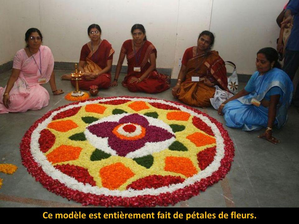 L'utilisation des matériaux comestibles est utile pour créer des peintures religieuses colorées sur la terre. Les restes sont mangés par les insectes