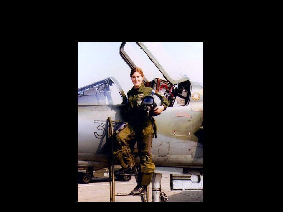 elle est COMMANDANT dans l'armée de l'air !