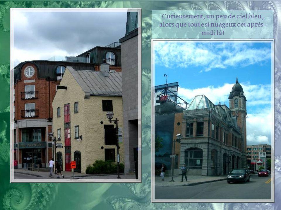 Tout près du port est installé le Musée de la Civilisation de Québec. De facture très moderne, c'est pourtant un bel exemple d'intégration à un milieu