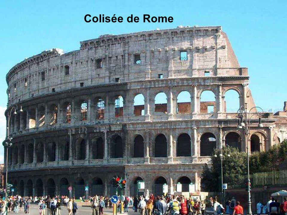 Le Colisée de Rome Le Colisée, monument-symbole de la ville de Rome, a été construit il y a près de 2.000 ans pendant le premier siècle après Jésus-Ch