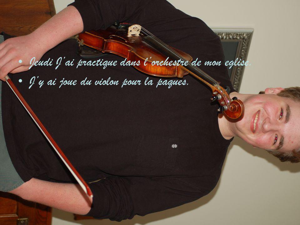 Jeudi J'ai practique dans l'orchestre de mon eglise. J'y ai joue du violon pour la paques.