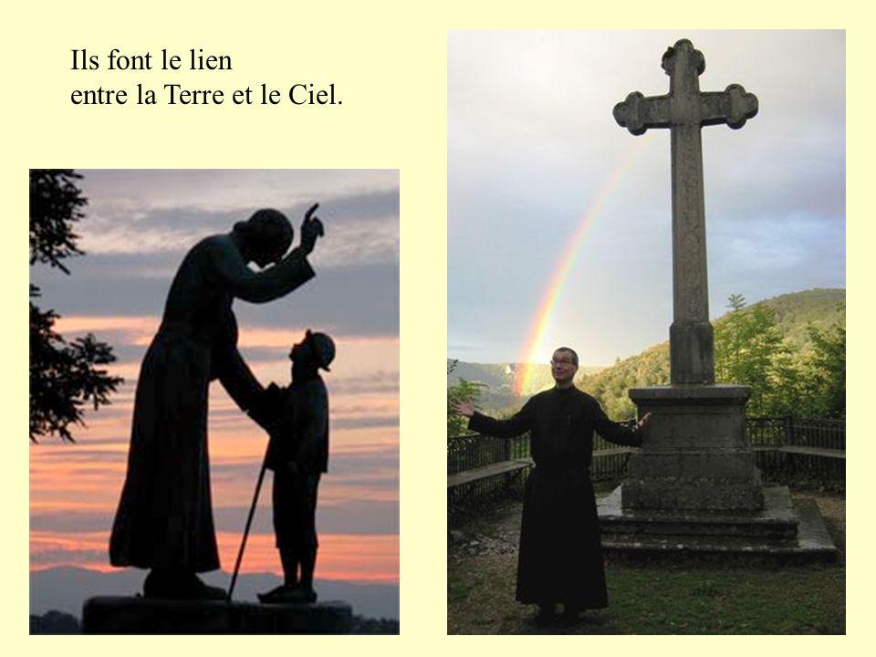 Ils célèbrent la messe chaque jour, pour la gloire de Dieu et le salut des hommes.