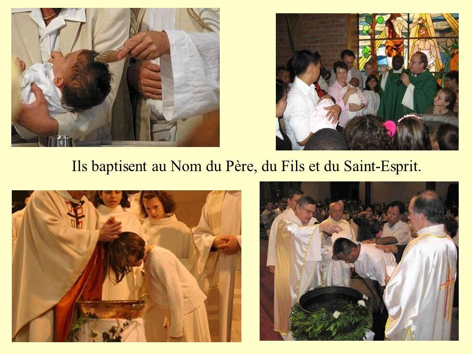 Hommes de prière et d'adoration, ils s'offrent pour nous et nous offrent au Père.