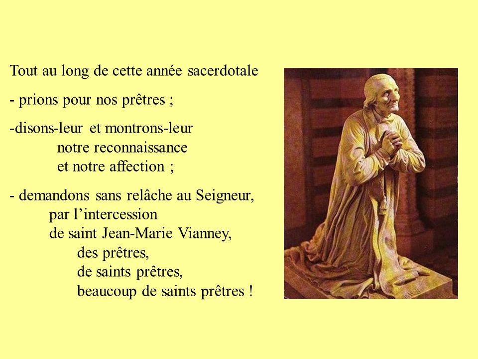Mère des prêtres et de l'Eglise, Notre-Dame de l'Eucharistie, la Vierge Marie les aime tout particulièrement.