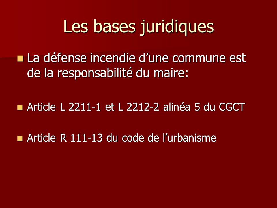 Le règlement départemental de défense extérieure contre l'incendie est arrêté dans un délai de cinq ans à partir de la publication du présent décret.