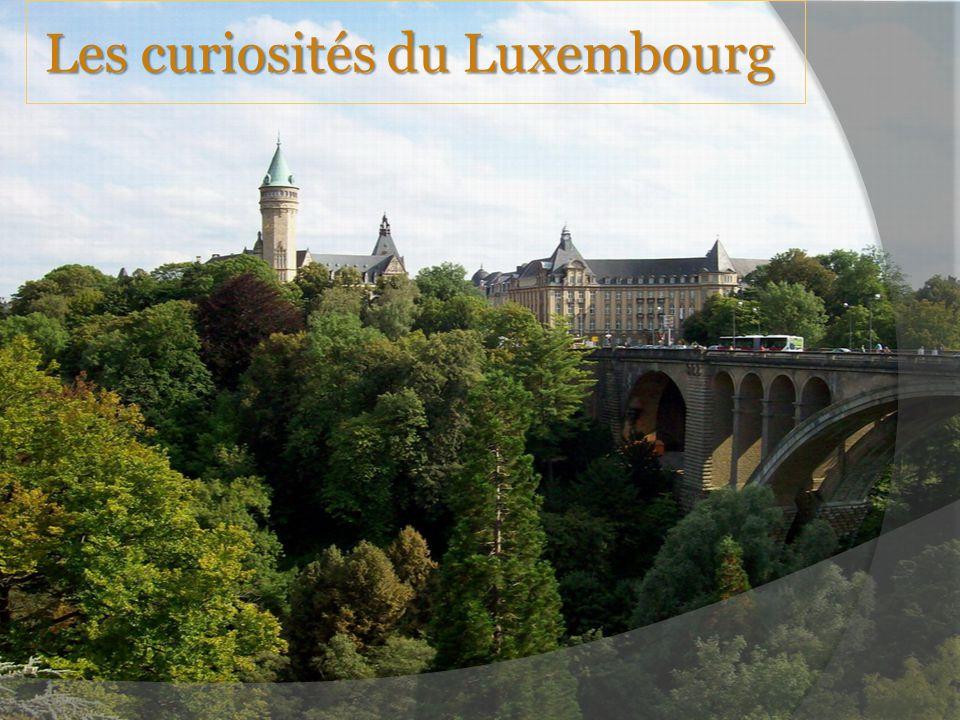 Le pont Adolphe Le pont d Adolf est le symbole officiel de l État de Luxembourg dans l Union Européenne.