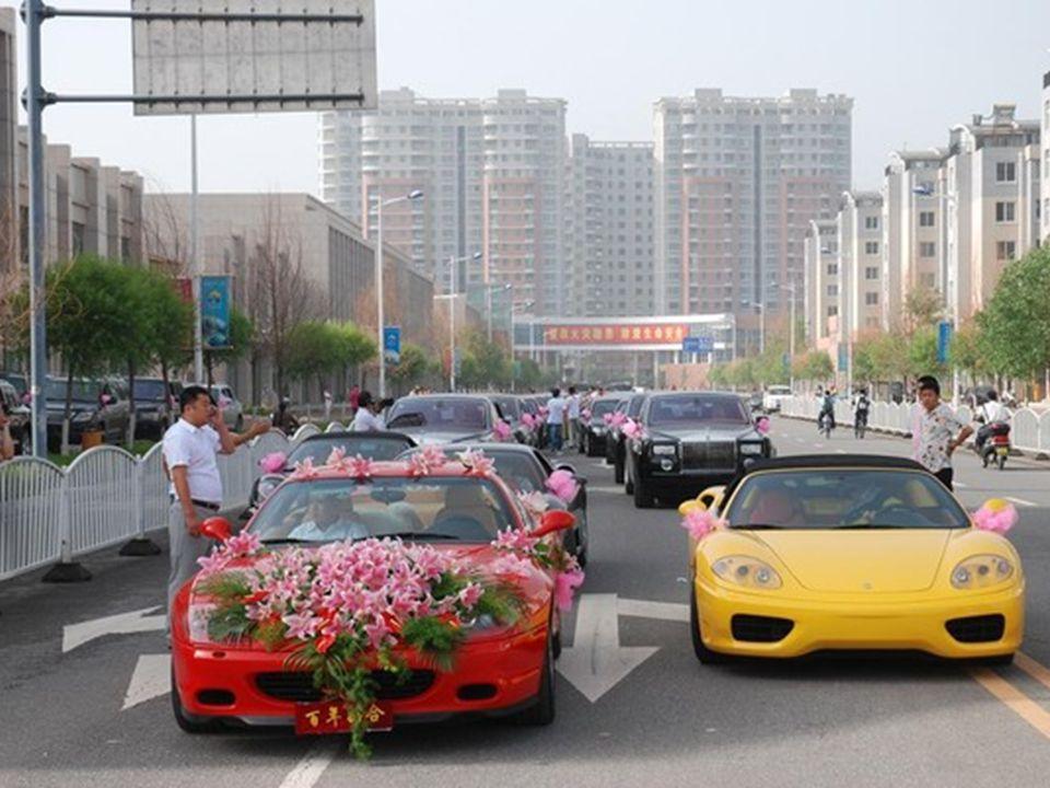 Cortège pour un autre mariage à Datong, une ville importante dans le Shanxi, impliquant un autre magnat du charbon.