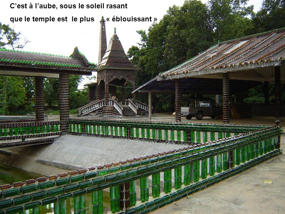 pour aboutir à ce temple singulier