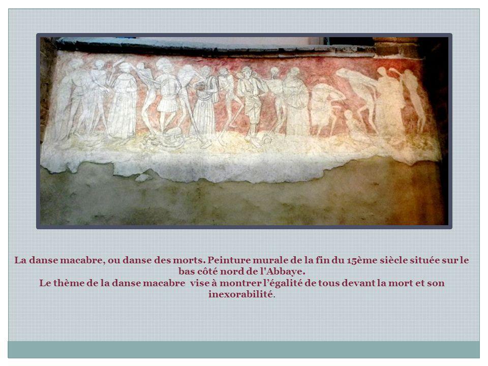 Vierge en majesté en bois polychrome du XIV°