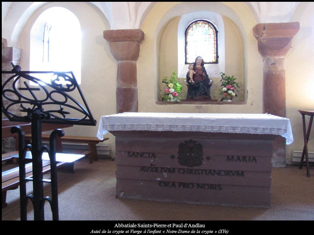 Abbatiale Saints-Pierre et Paul d'Andlau Autel de la crypte et Vierge à l'enfant « Notre-Dame de la crypte » (XVe)