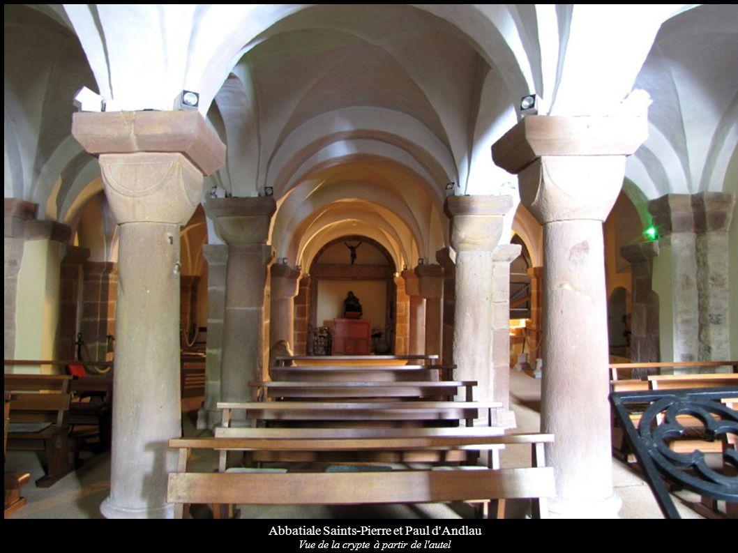 Abbatiale Saints-Pierre et Paul d'Andlau Vue de la crypte à partir de l'autel