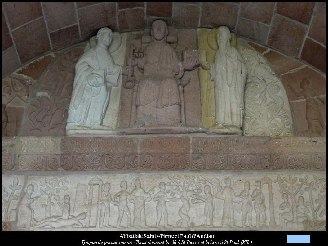 Abbatiale Saints-Pierre et Paul d'Andlau Tympan du portail roman, Christ donnant la clé à St-Pierre et le livre à St-Paul (XIIe)