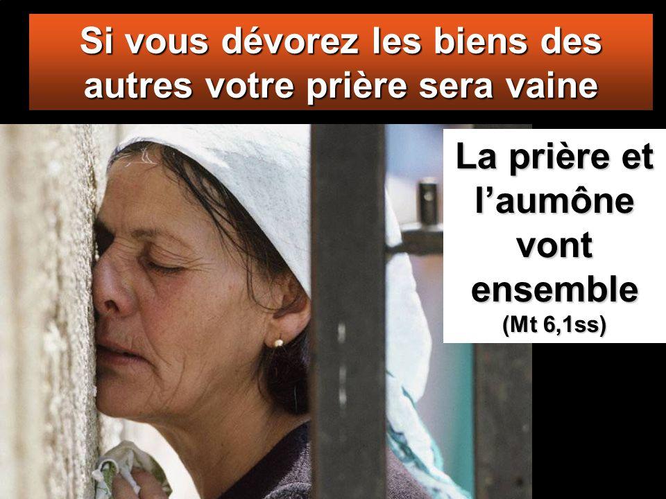 Ils prennent aux veuves tout ce qu'elles possèdent et, en même temps, font de longues prières pour se faire remarquer. Ils seront jugés d'autant plus