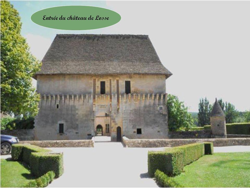 Entrée du château de Losse
