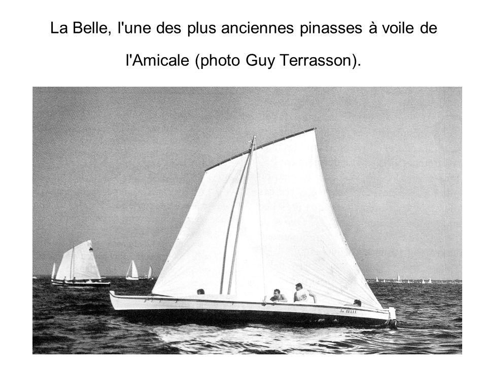 La Belle, l'une des plus anciennes pinasses à voile de l'Amicale (photo Guy Terrasson).
