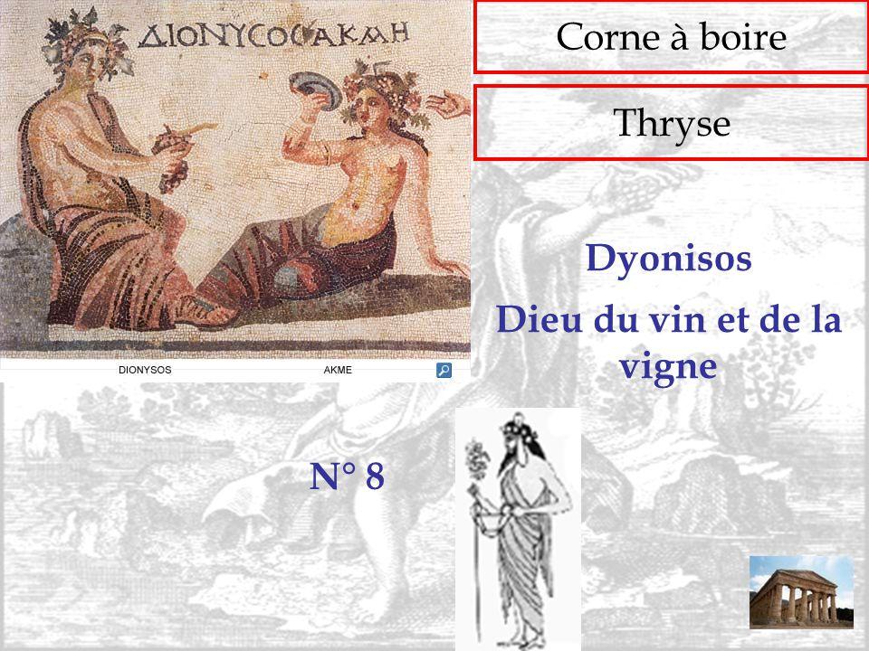 Corne à boire Thryse N° 8 Dieu du vin et de la vigne Dyonisos