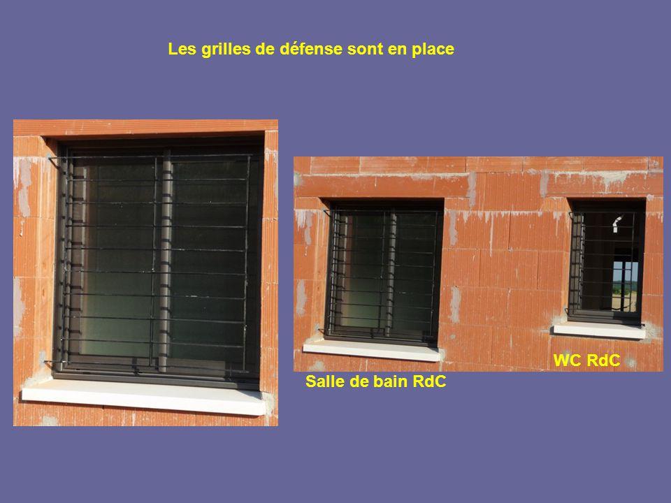Les grilles de défense sont en place Salle de bain RdC WC RdC