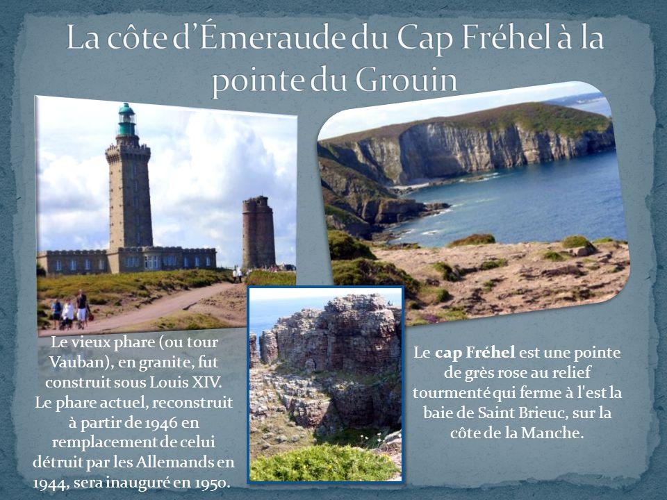 Le cap Fréhel est une pointe de grès rose au relief tourmenté qui ferme à l est la baie de Saint Brieuc, sur la côte de la Manche.