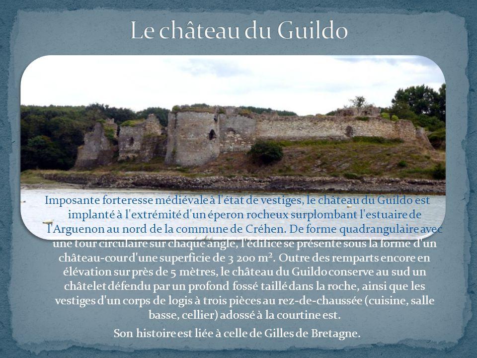 Imposante forteresse médiévale à l état de vestiges, le château du Guildo est implanté à l extrémité d un éperon rocheux surplombant l estuaire de l Arguenon au nord de la commune de Créhen.