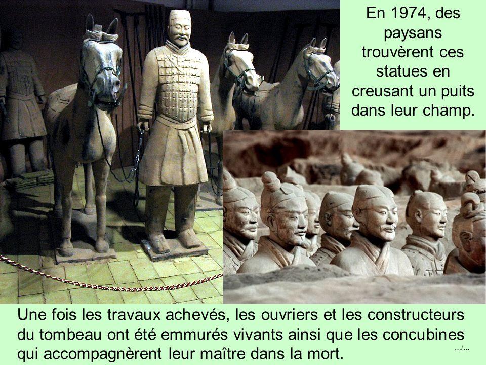 …/… 7000 soldats, tous différents (physionomie, vêtements, position des bras), des archers, des chars, des chevaux, des cavaliers, des généraux, etc.