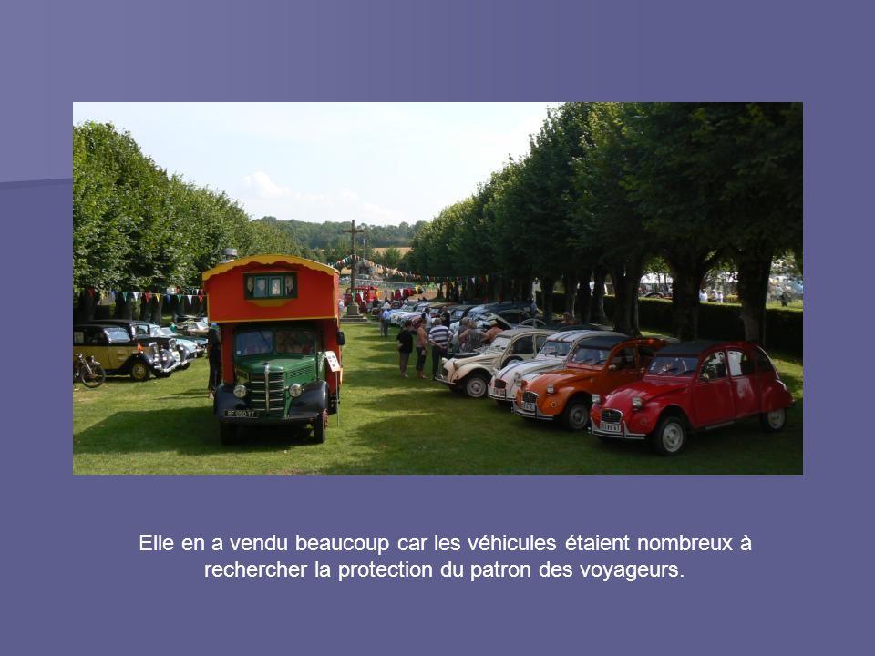 Elle en a vendu beaucoup car les véhicules étaient nombreux à rechercher la protection du patron des voyageurs.