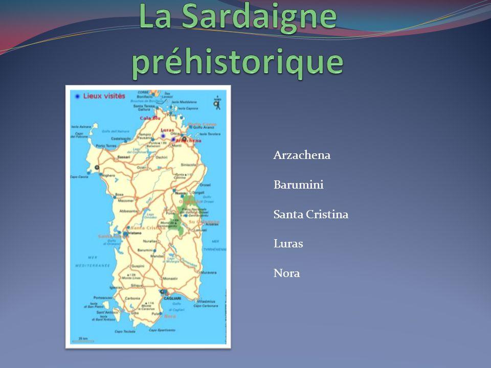 Santa Teresa di Gallura située face à Bonifacio Seulement 12 km séparent Santa Teresa de Bonifacio.