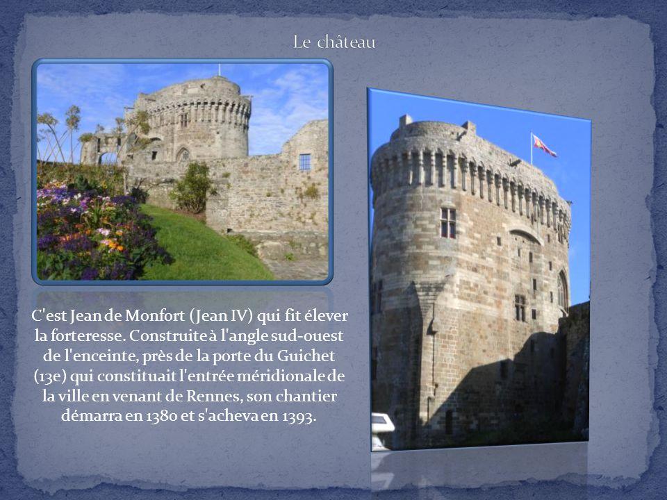 La construction des remparts, en 1283, correspond à la période où Dinan devint ville ducale. Sa vocation militaire perdura jusqu'au 20e siècle. Ses fo