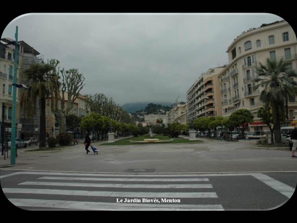 À Cannes