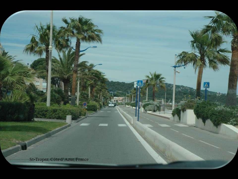 Rue à St-Tropez