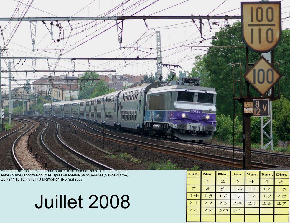 Août 2008 Avant d'entrer dans le tunnel de la Chailliere, la CC 72177 traverse la forêt colorée des Vosges.
