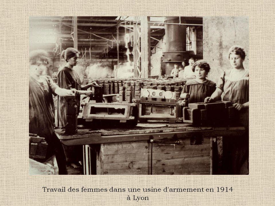 Travail des femmes dans une usine d'armement en 1914 à Lyon