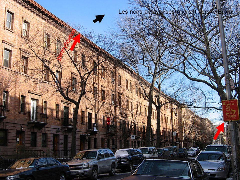 Les noirs défavorisés migrent vers le Bronx. gentryfication