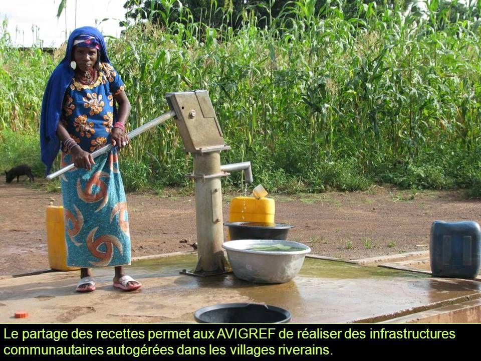 Le partage des recettes permet aux AVIGREF de réaliser des infrastructures communautaires autogérées dans les villages riverains.