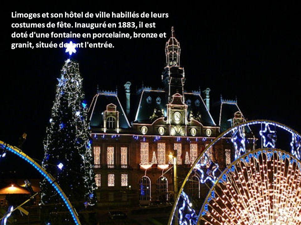 Achevé dans le premier tiers du XVIe siècle, entièrement restauré au XIXe sous la direction d'Eugène Viollet-le-Duc, l'Hôtel de Ville de Compiègne app