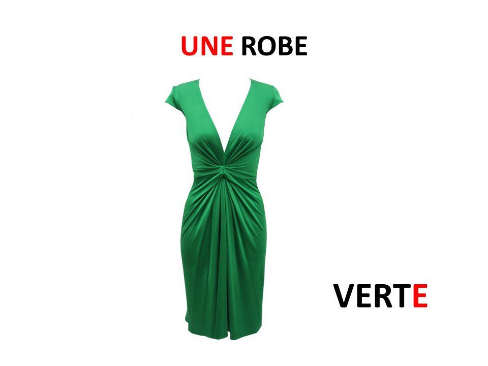 Je pense que la robe est... BIZARRE/MOCHE