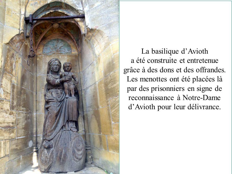 La « Recevresse » chef d'œuvre de style gothique flamboyant a vraisemblablement été construit à l'endroit de la découverte de la statue miraculeuse « sur son buisson d'épines » On appela cette statue la « Recevresse » (Réception des dons des pélerins)