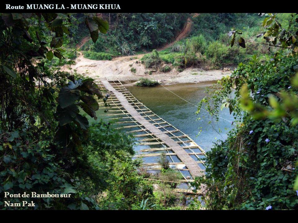 Route MUANG LA - MUANG KHUA Femme Akha