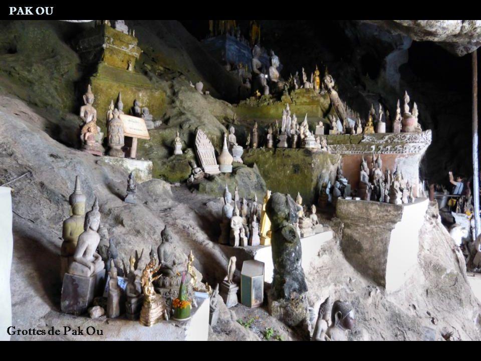 Entrée grottes de Pak Ou