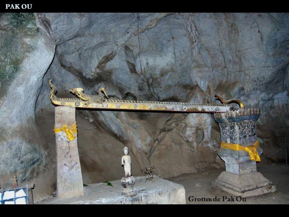 PAK OU Grottes de Pak Ou
