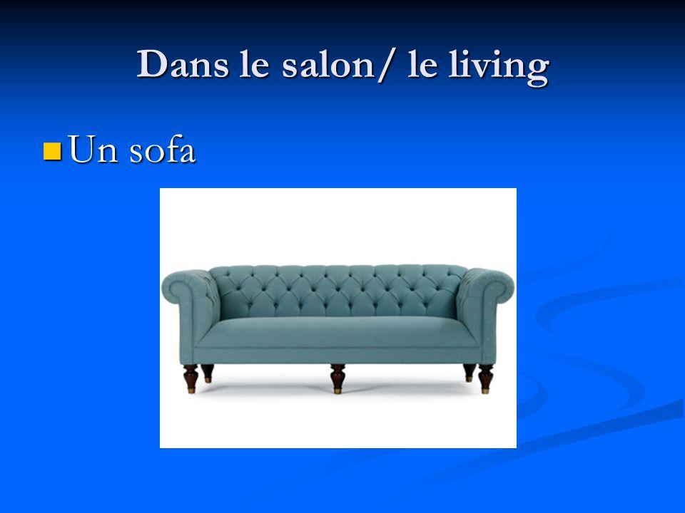 Dans le salon/ le living Un fauteuil Un fauteuil