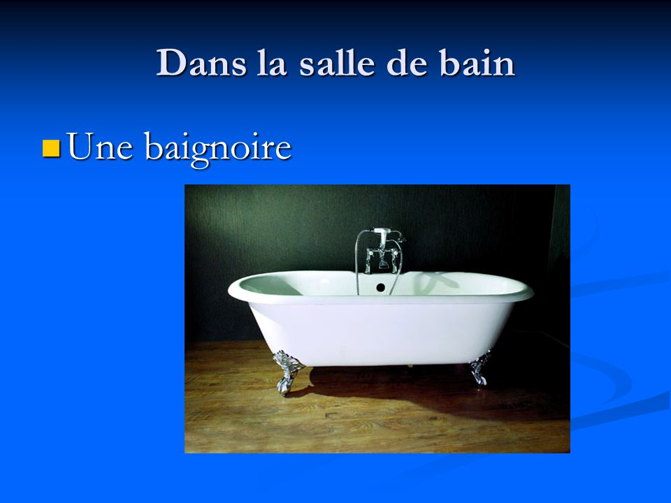 Dans la salle de bain Une douche Une douche